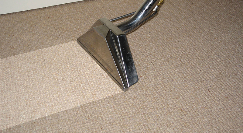 Carpet cleaning with hot water extraction